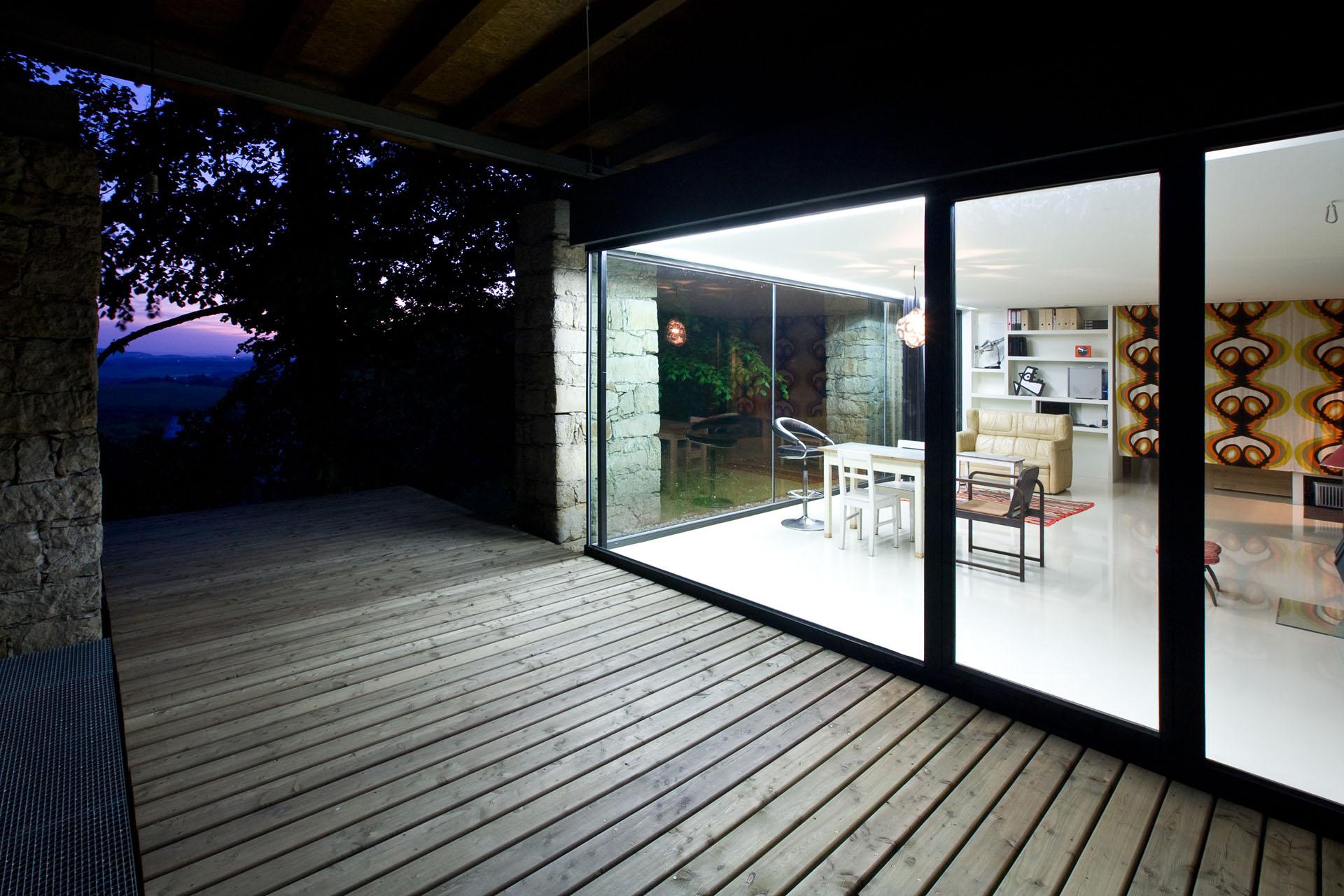 Hliníková okna, dveře a fasády